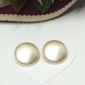 Gorgeous Vintage Shimmery Clip on earrings